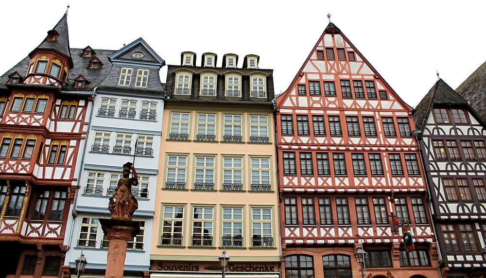 La Plaza de Römerberg en Frankfurt, Alemania.
