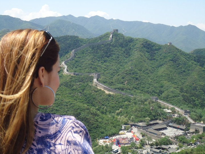 Lana en la Gran Muralla China en Beijing.