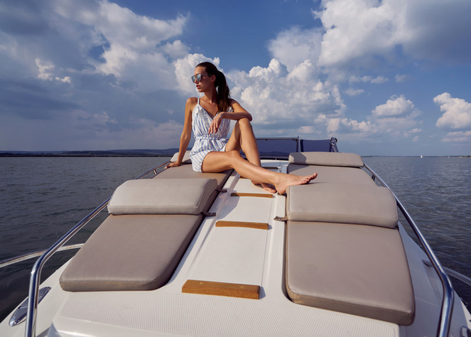 Padding the entire bow deck