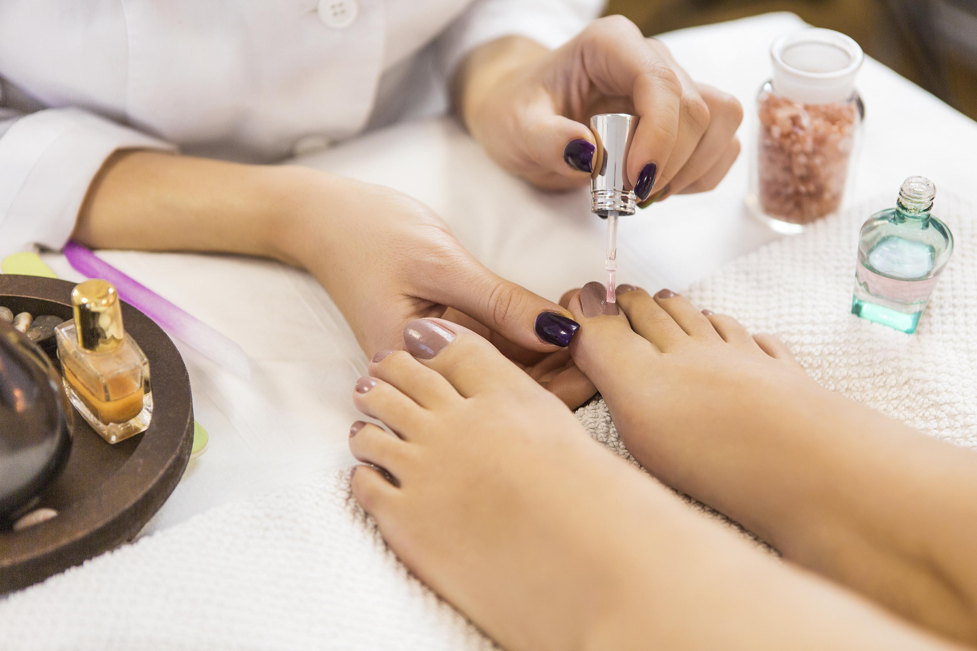Individual Nail Service Consultation