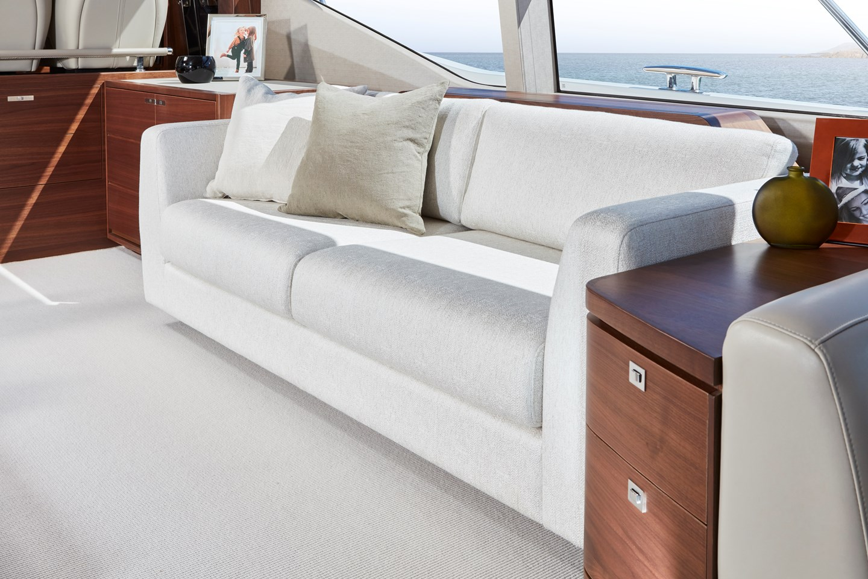 f70-interior-saloon-sofa-detailjpg