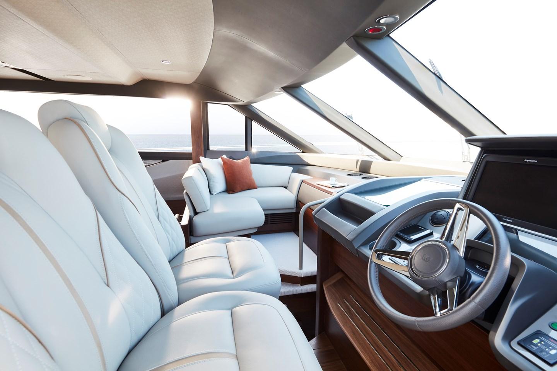 f70-interior-helm-2jpg