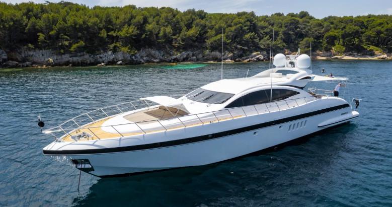Yacht i Middelhavet: Mangusta 92