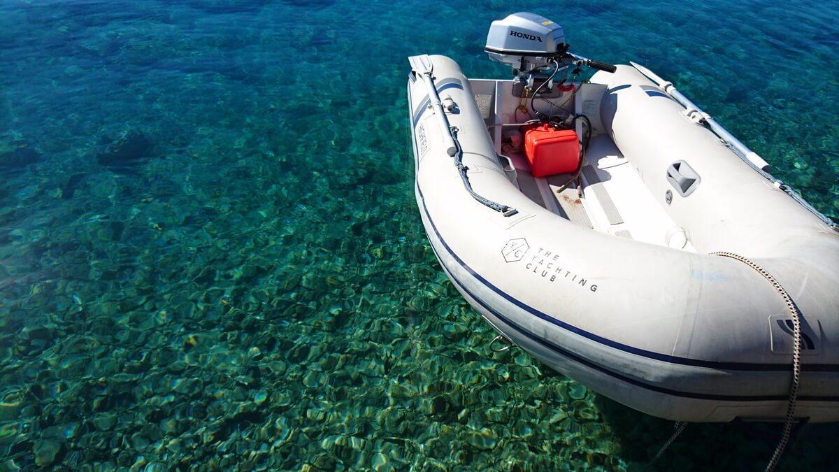 lagoon-39-white-cat-7jpg