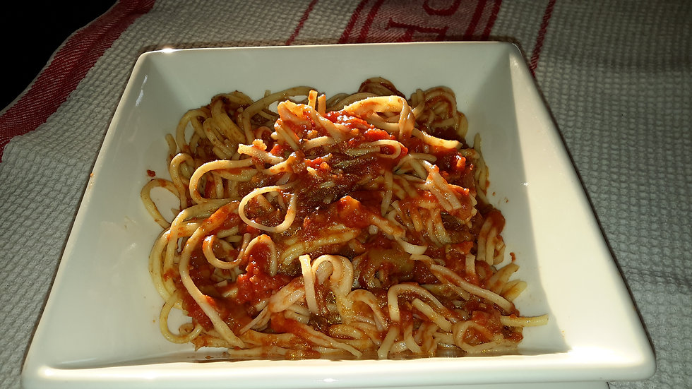 Spaghetti served with our homemade basil & tomato sauce