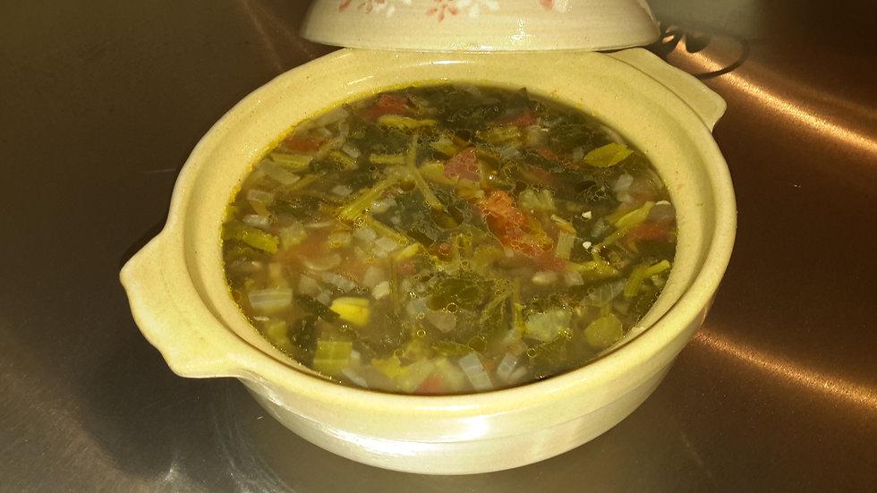 Lentil, pancetta & spinach soup - Family serve