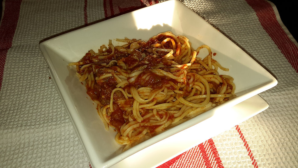 Spaghetti served with our homemade basil & tomato sauce - Family serve