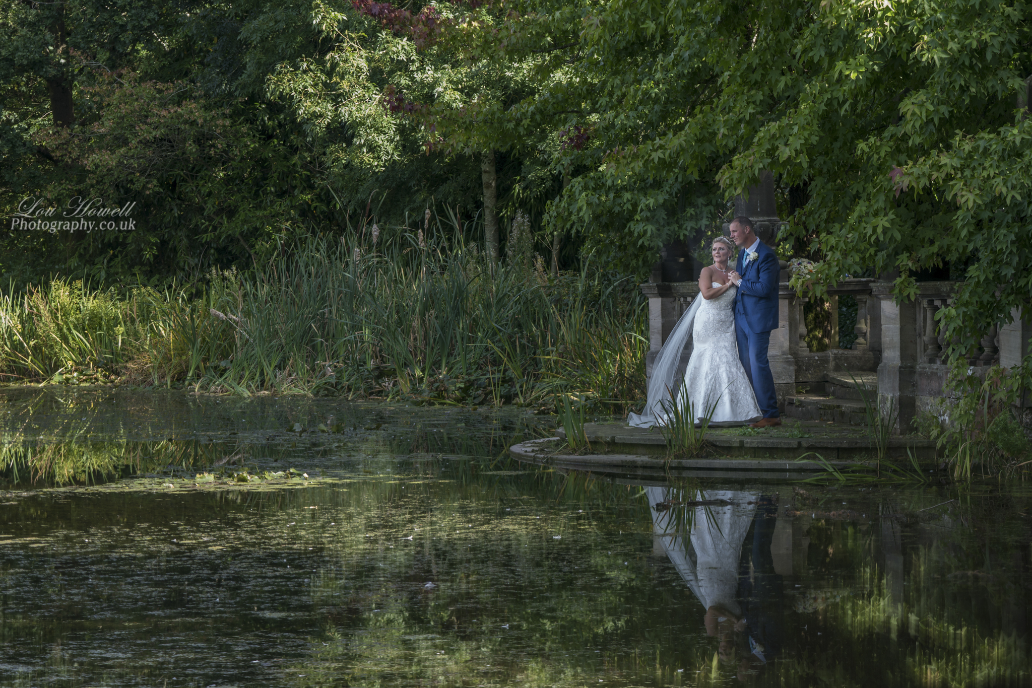 Bride & Groom at Dunchurch Park Hotel