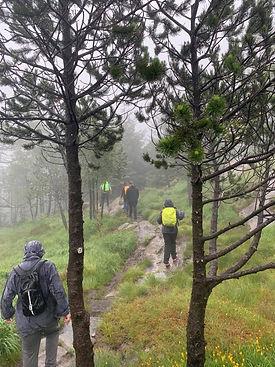 Turgruppen i regnvær.jpg