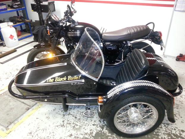 Gusto Motorbikes_Triumph T120 Bonneville Sidecar Combination