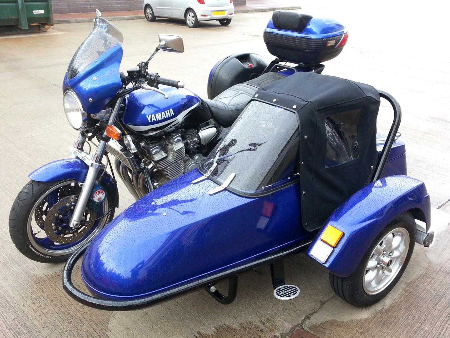 Gusto Motorbikes_Yamaha XJR 1300 Sidecar Combination