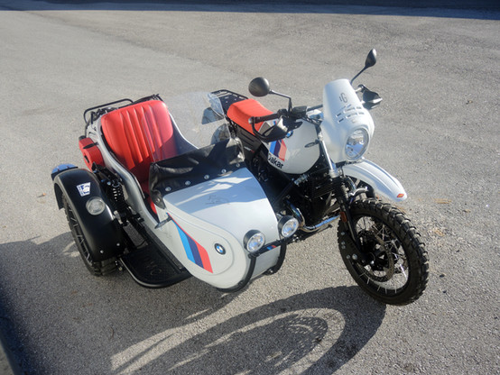 Gusto Motorbikes _ BMW RnineT Paris Dakar Adventure bespoke sidecar build