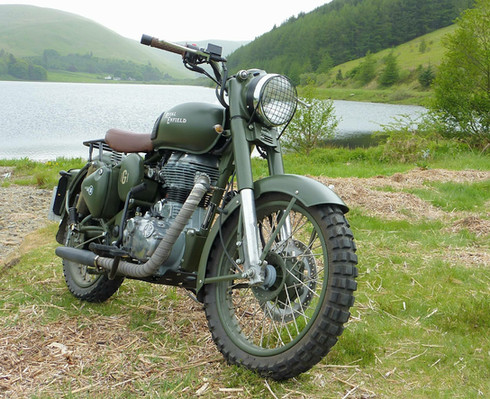 Gusto Motorbikes _ Royal Enfield Classic 500 bespoke build