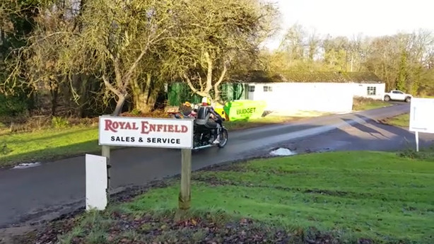 Gusto Motorbikes _ Royal Enfield Classic 500 multi-functional platform sidecar build