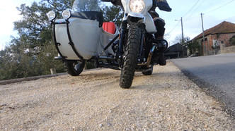 Gusto Motorbikes _ BMW RnineT Paris Dakar Adventure bespoke build sidecar combination