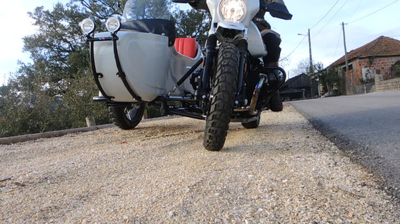Gusto Motorbikes _ BMW RnineT Paris Dakar Adventure bespoke build sidecar combination