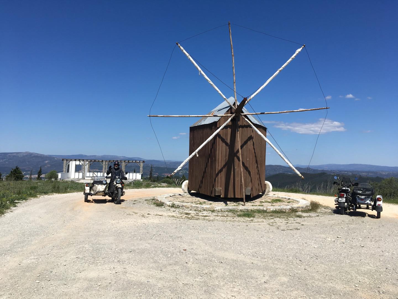 Pousaflores windmill