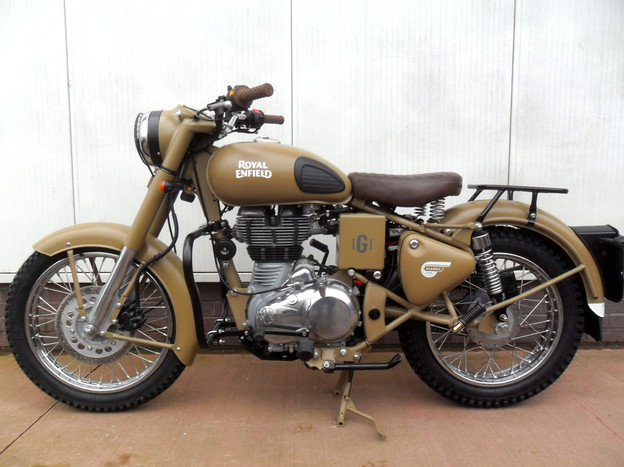 Gusto Motorbikes_Royal Enfield Classic 500 Military Edition