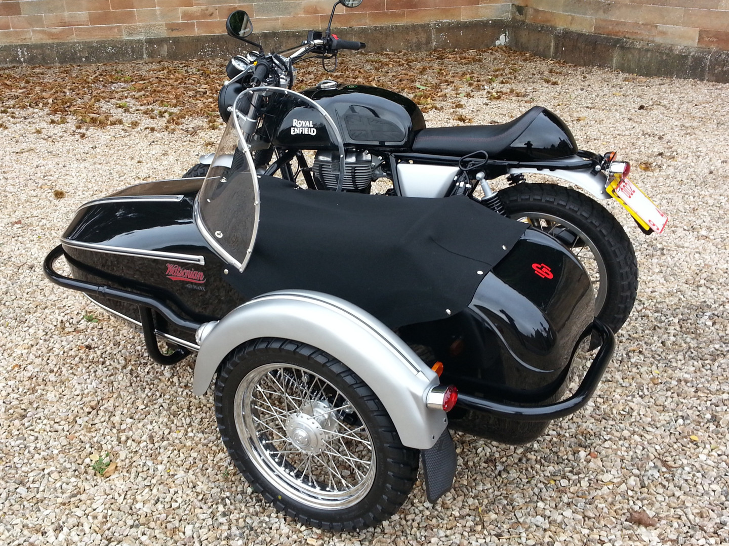 Gusto Motorbikes_Royal Enfield 535 Special Sidecar Combination