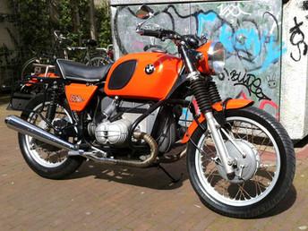 Gusto Motorbikes _ BMW R60/6 1974 street scrambler