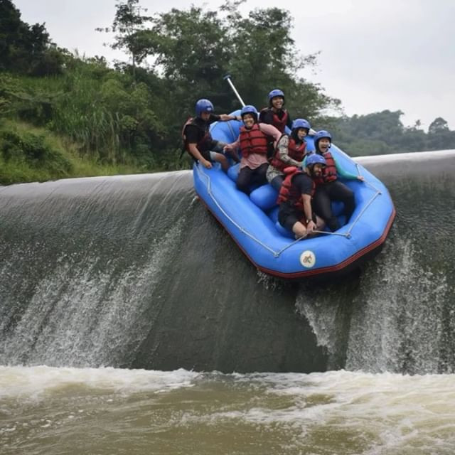 Bendungan ini salah satu spot terseru dan sekaligus penutup petualangan raftingnya