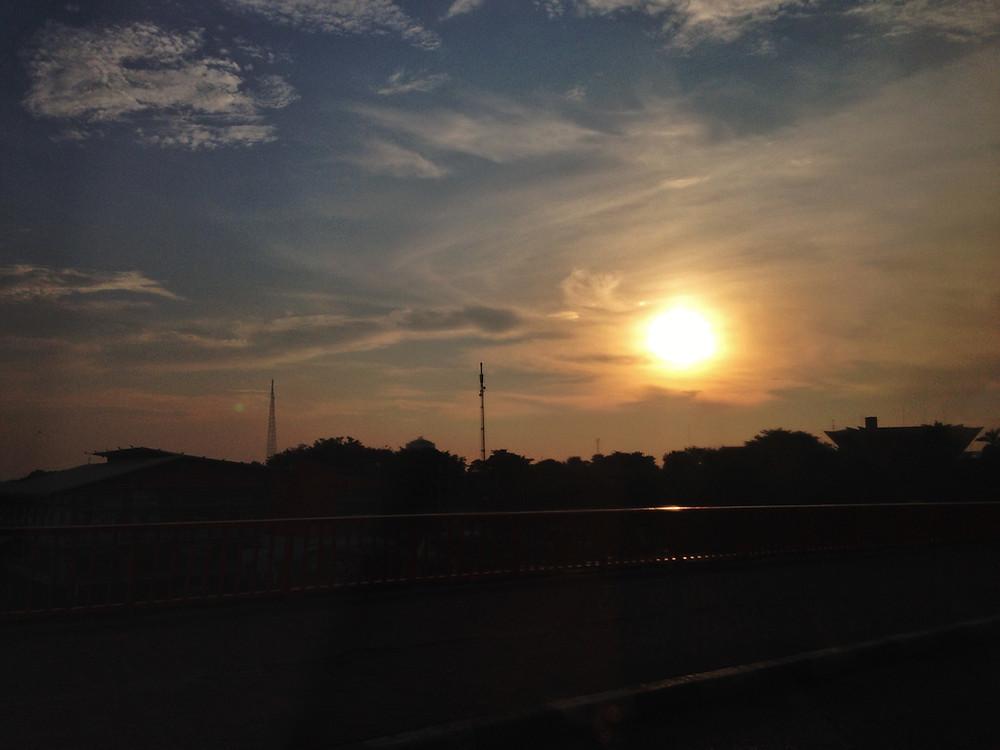 Senja di Palembang