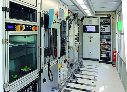 A fábrica móvel. Este protótipo voltado para fabricar equipamentos médicos.