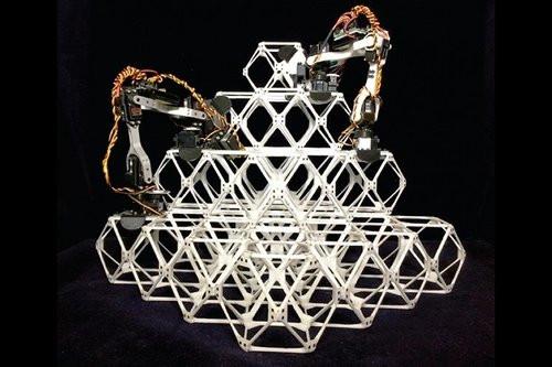 Linha de montagem robótica de estruturas