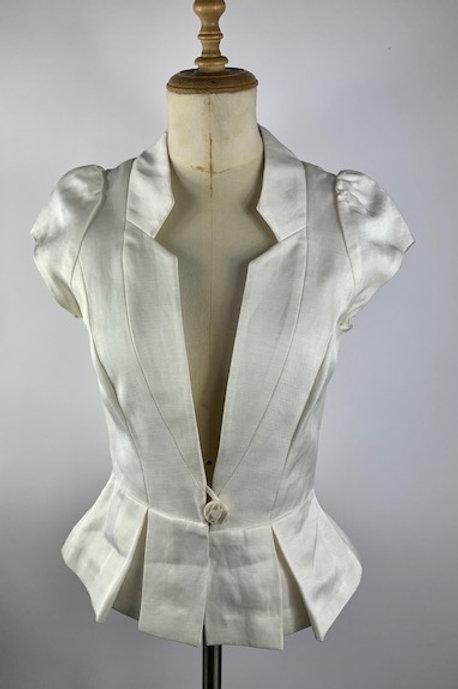 Preloved Sub- Couture Cream top