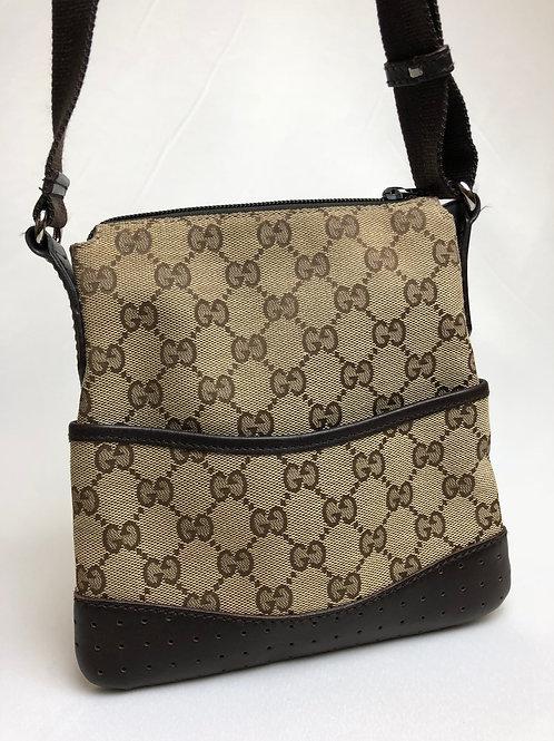 Gucci messenger bag, messenger bag, Vintage Gucci messenger bag,www.preve.com