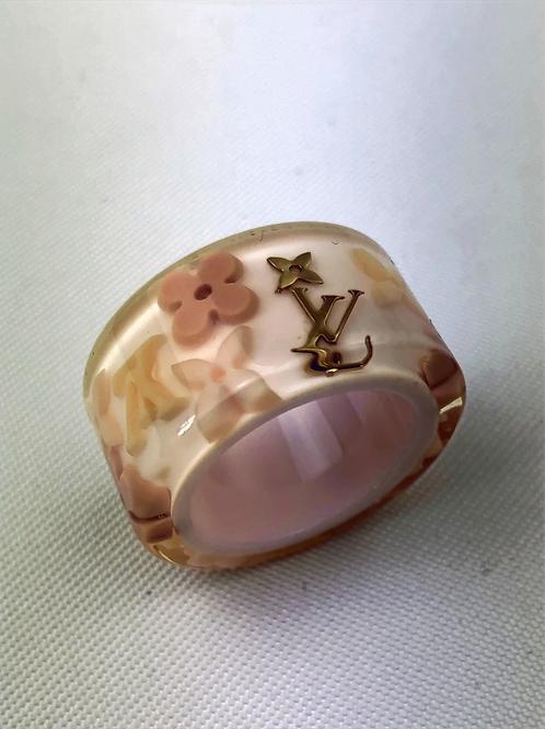 Louis Vuitton, Louis Vuitton Farandole resin ring, Farandole ring, Vintage louis vuitton, www.preve.com