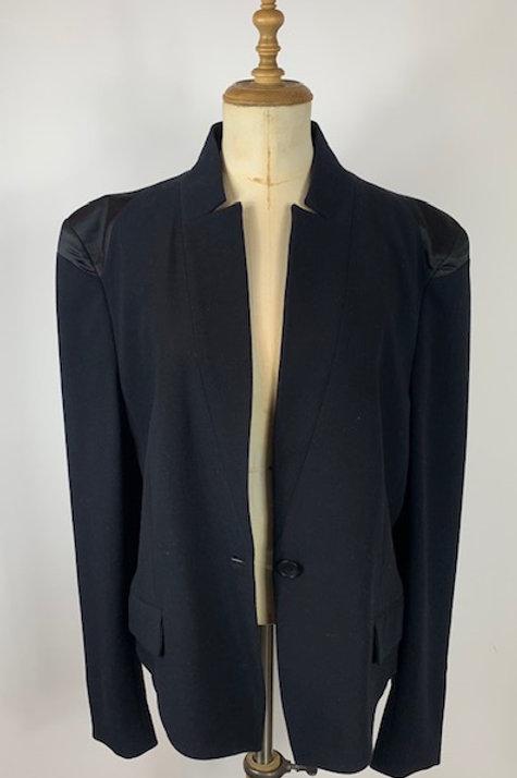 Preloved clothing, second hand designer clothing, malene birger jacket, www.preve.com