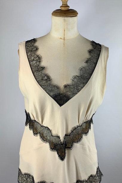 Amanda Wakeley, preloved designer fashion, sustainable fashion.www.preve.com