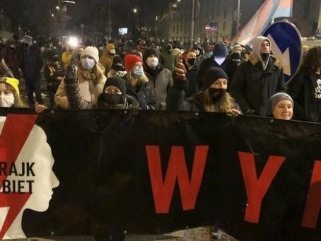 Poland: Hundreds take to the streets to ban abortions.