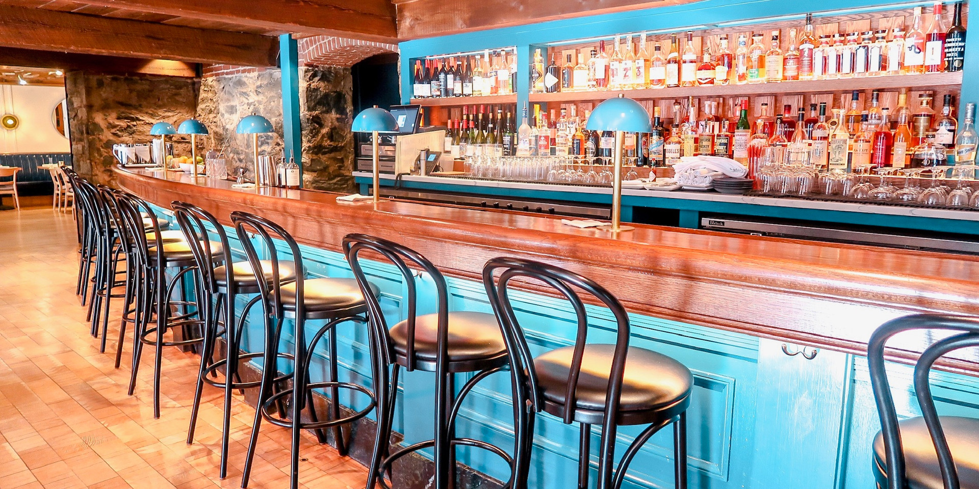 Dyllan's Raw Bar and Grill
