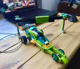 Dzieci programują roboty
