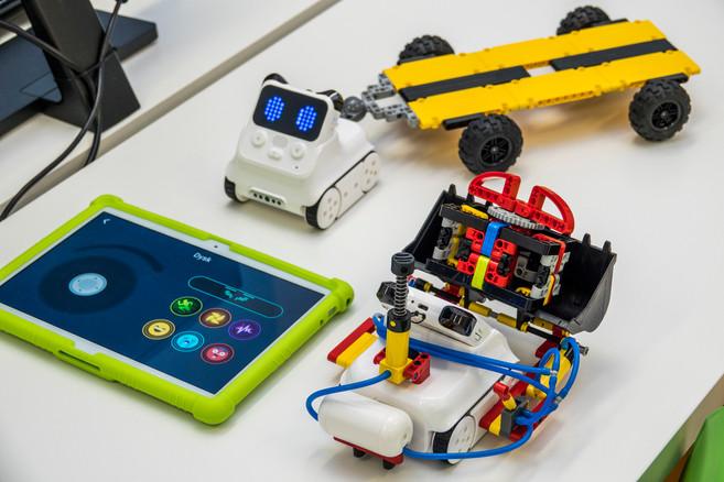 Sterowanie i programowanie robotów tabletem