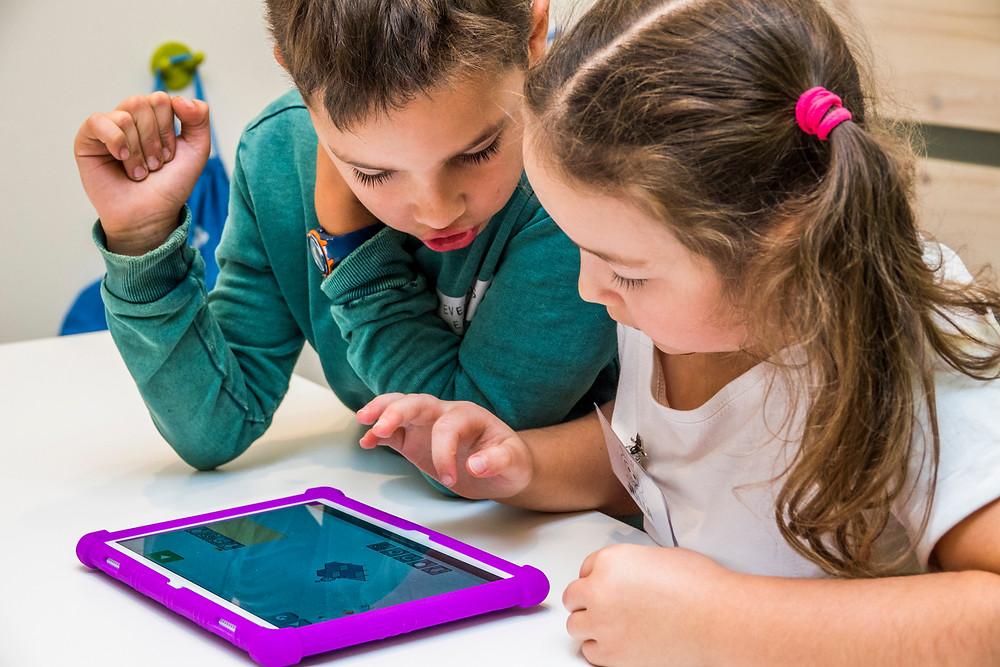 Nauka programowania przez dzieci w domu