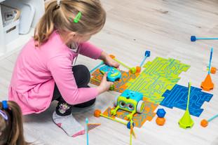 Dzieci z Augustowa na zajęciach z robotyki