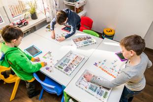 Dzieci ze szkół podstawowch uczą się programowania