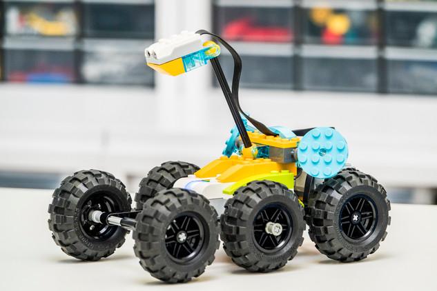 Pojazd marsjański zbudowany przez dzieci na zajęciach Lego WeDo