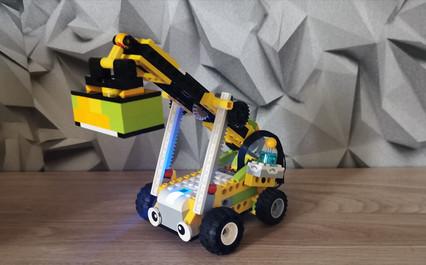 Roboty z Lego Wedo na zajęciach online