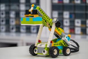 Naucz się programować w domu na wypożyczonych klockach Lego