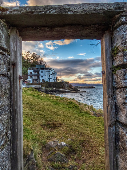 Through The Door At Crinan Argyll, Single Card