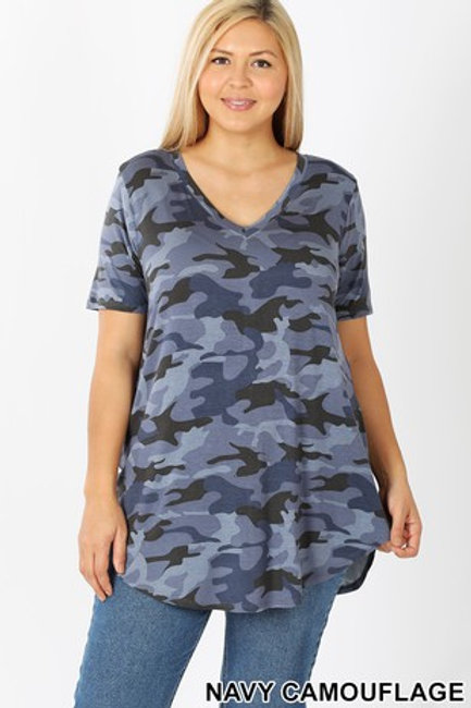 Plus Size: Camouflage Print 3/4 Sleeve Tunic Top