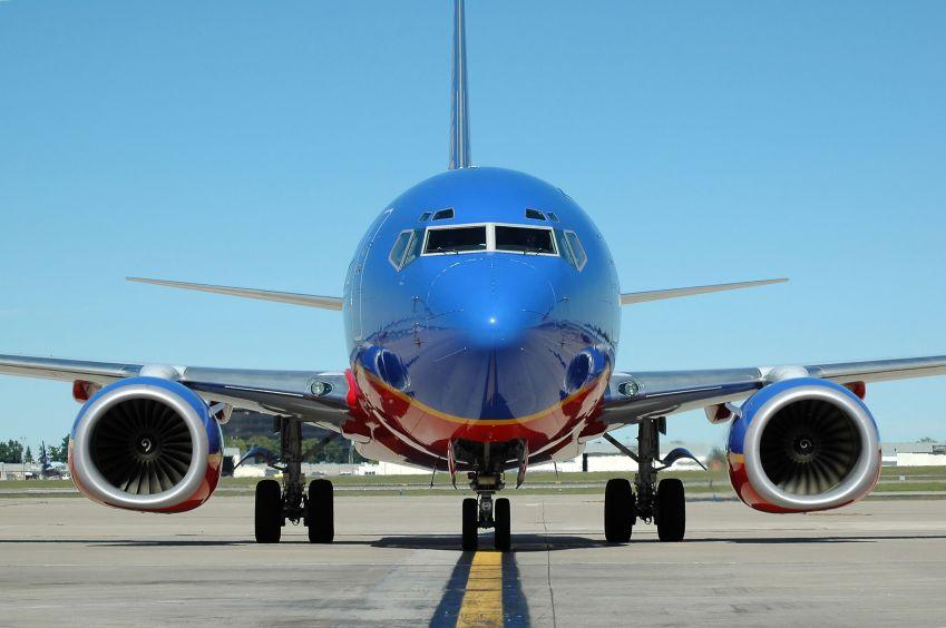737_jetliner-1.jpg