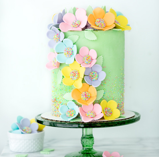 gumpaste-flowers-tutorial-fg1.jpg