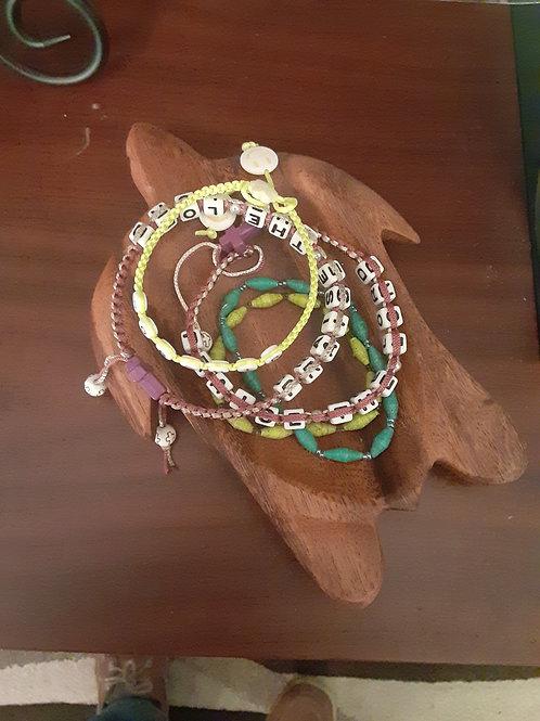 Missions Bracelets