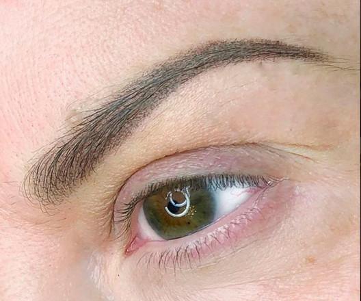 Soft-powder-brows.Anna-Dixon-001.jpg