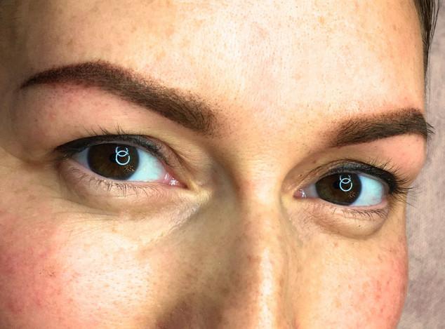 Soft-powder-brows.Anna-Dixon-006.jpg
